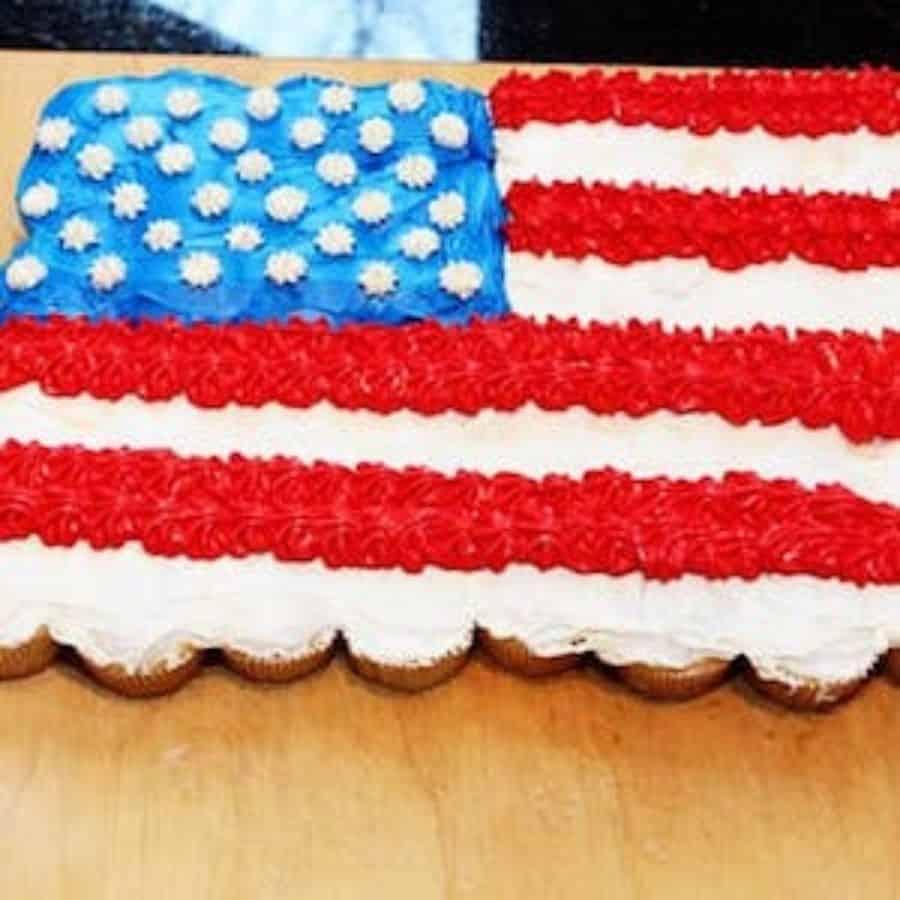 american flag cake Dessert 4th fo July Recipes