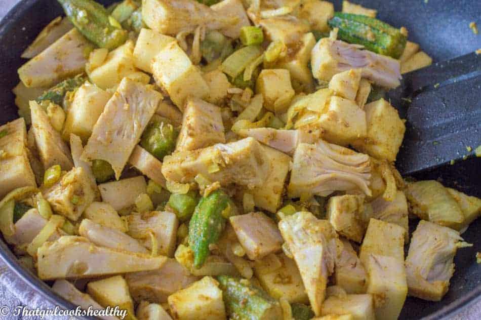 Green-jackfruit-curry-cooking