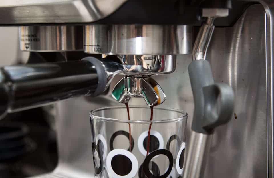 Regular portafilter extracting espresso