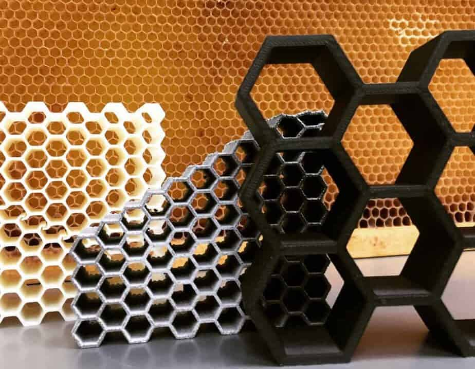 Real honeycomb behind 3D-printed test structures. (photo: Dhruv Bhate)