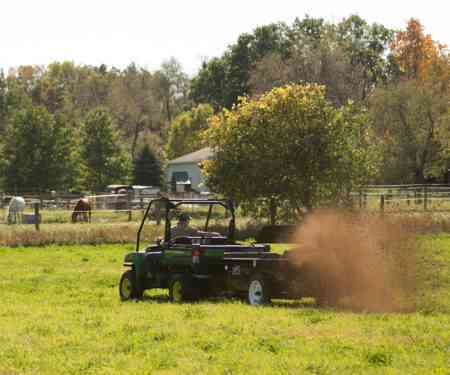 25, 50, & 65 ft³ - Small & Compact Manure Spreaders