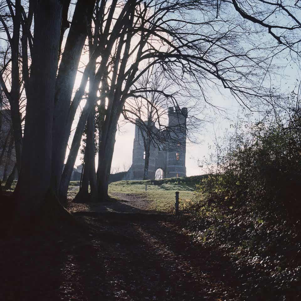 photo argentique couleur hasselblad 500cm du chateau de bressieux à Bressieux - 1