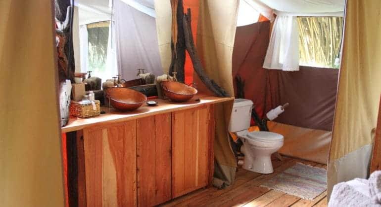 Ekorian's Mugie Camp Bathroom