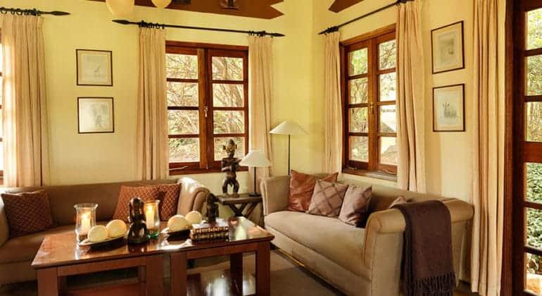 Mara Bushtops Lounge