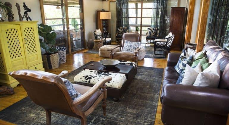 Makakatana Bay Lodge Lounge