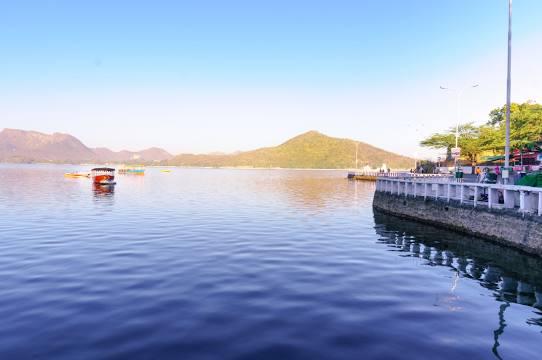 Fatesh Sagar Lake