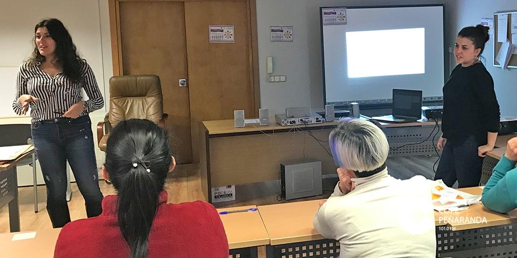 Media docena de mujeres asistieron al primer taller de concienciación, empoderamiento y búsqueda activa de empleo.