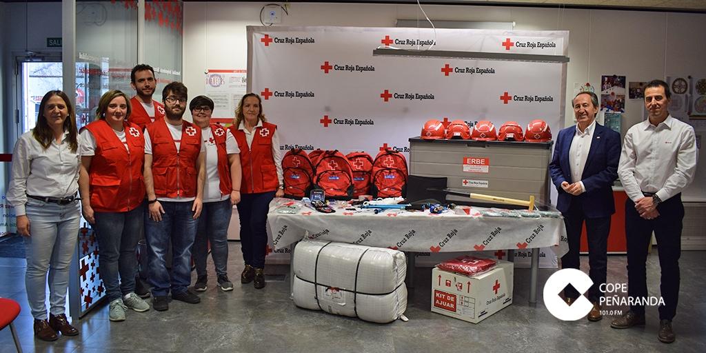 Voluntarios del nuevo programa durante la presentación de esta iniciativa de Cruz Roja.