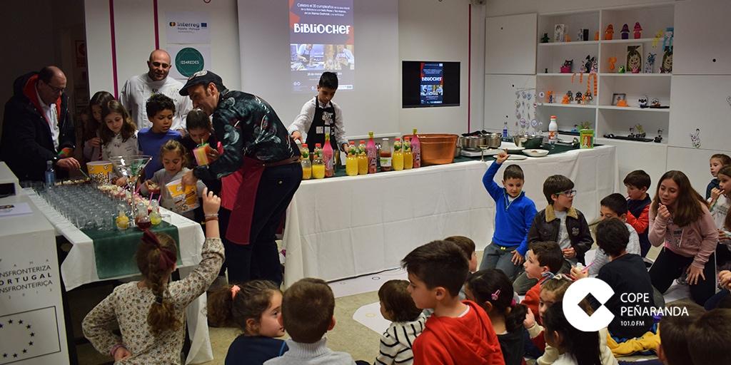 Helio Flores y Teo Marcos celebraron el 30 aniversario del CDS con «Bibliochef».