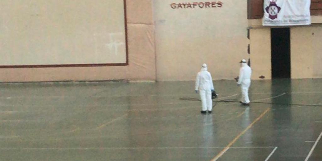 El Ayuntamiento desinfecta el pabellón tras el cribado masivo