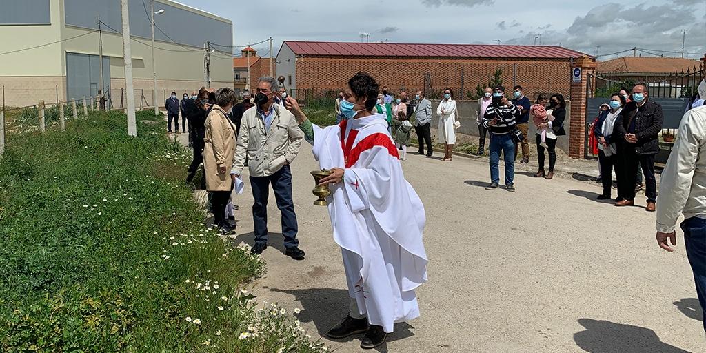 Aldeaseca honra a su patrón con eucaristía y bendición de campos