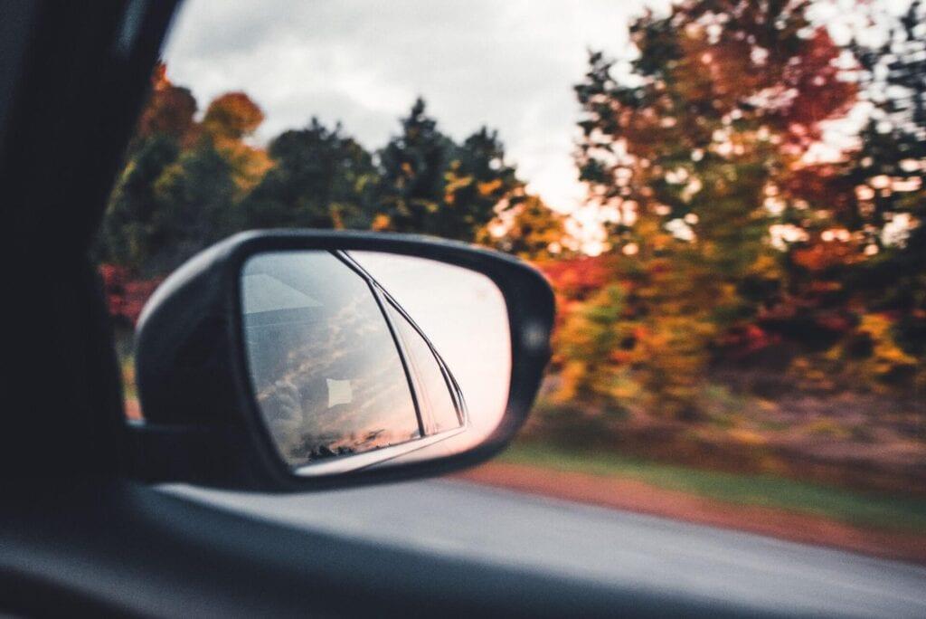 lusterko boczne samochodowe