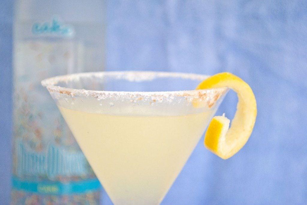 Vodka Lemonade Drink w/ Lemon Twist