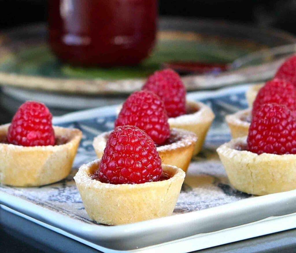 little raspberry tarts for the summer food ideas