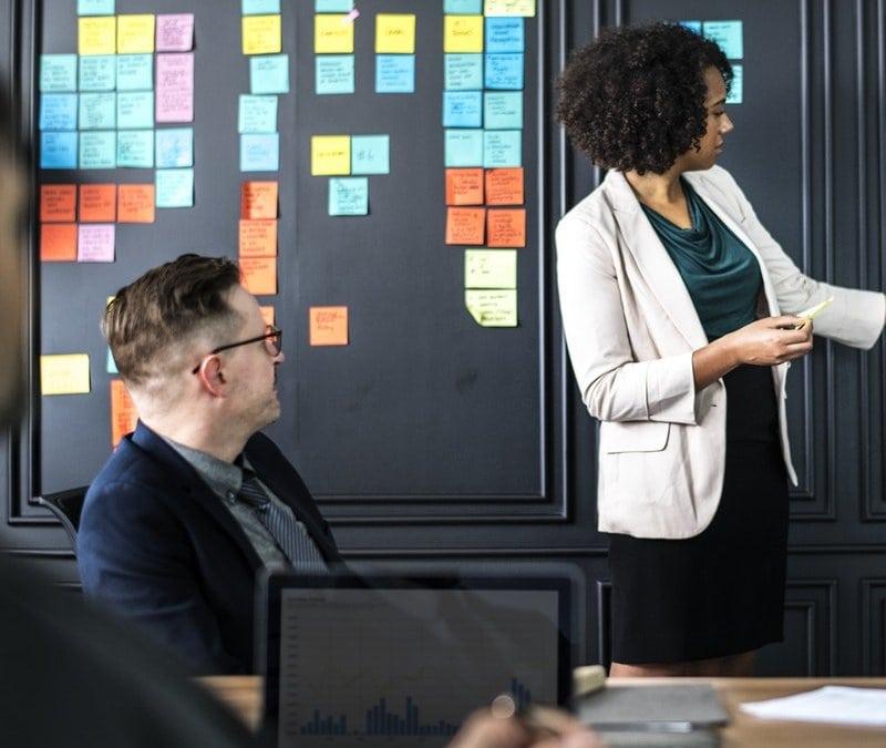 Zufriedene Fachkräfte – und die Konkurrenz steht im Schatten