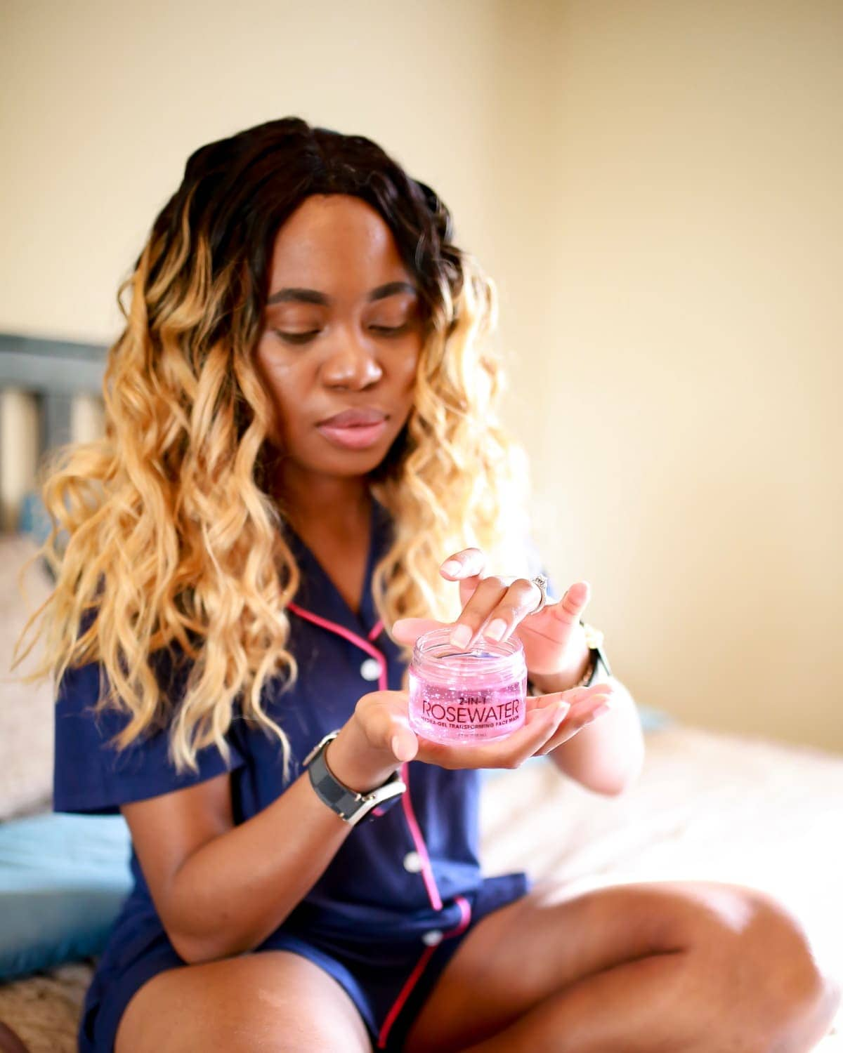 #rosewater #facemaskforwrinkles The new kid on the block is the Advanced Clinicals 2-in-1 rosewater mask. I tried this product out so you won't have to waste your money or time. Keep reading for a full recap of my experience using this Advanced Clinicals rosewater mask. #facemaskforglowingskin