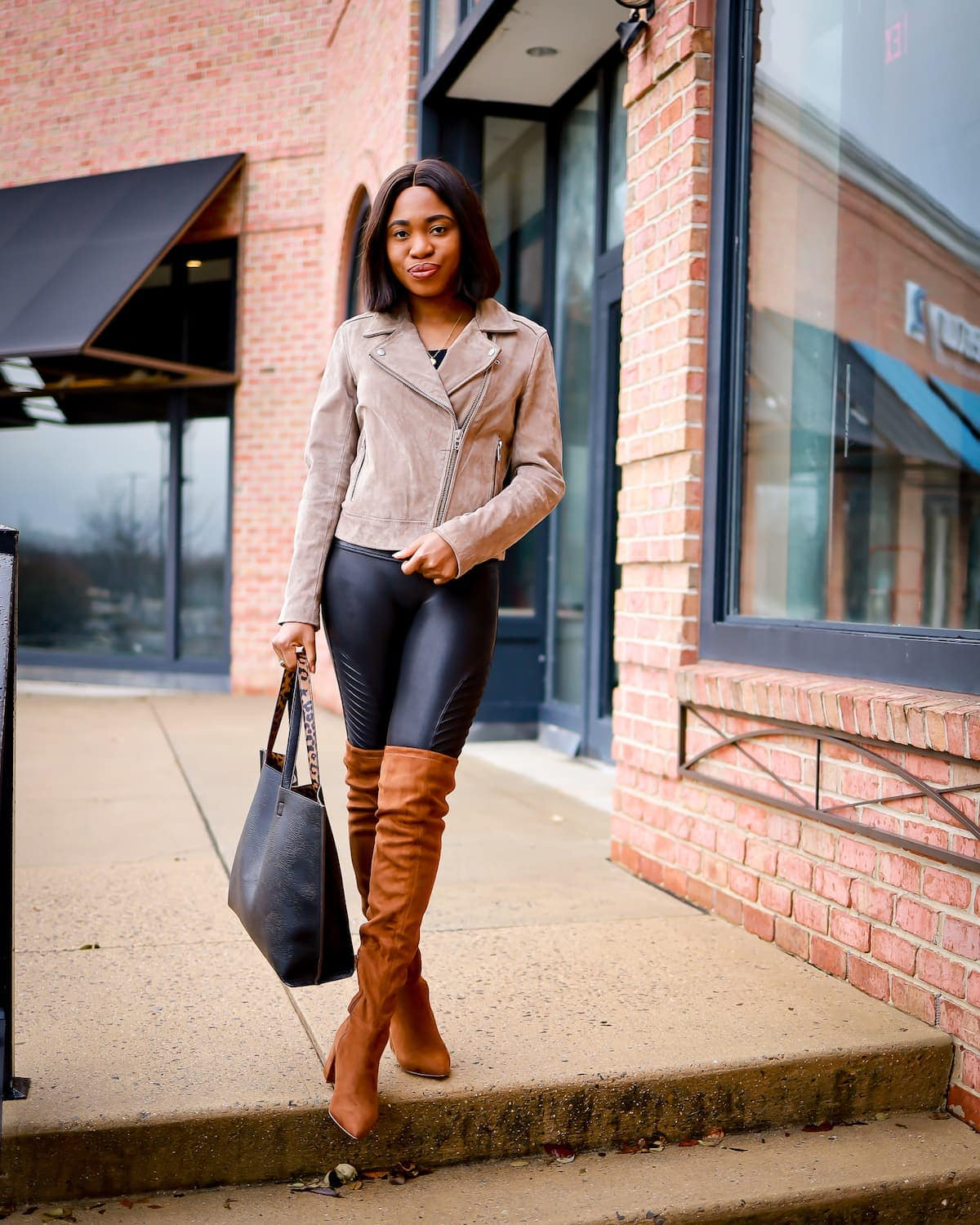 Spanx moto leggings review | Is this Spanx faux leather leggings worth it? Sharing my thoughts on the quality of these Moto leggings after 12+ months of wearing in constant rotation. Keep reading to get the scoop on if these leggings are worth the money or simply a waste of money. #spanx #nordstrom #blanknyc