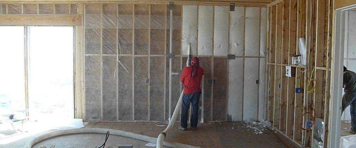 Zateplenie drevostavby fúkanou izoláciou