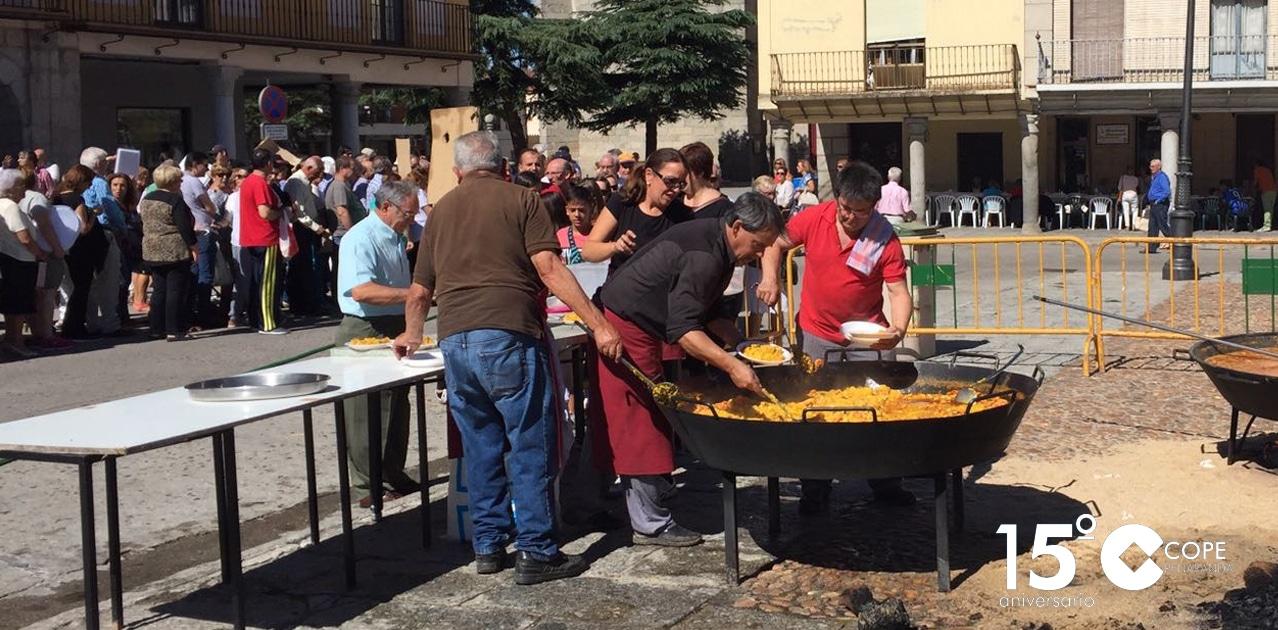 La paella de San Miguel permitió recaudar 1.400 euros para Cáritas parroquial