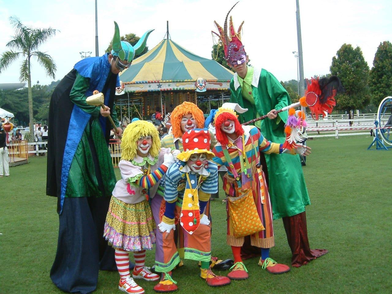 stitl Walker and clowns