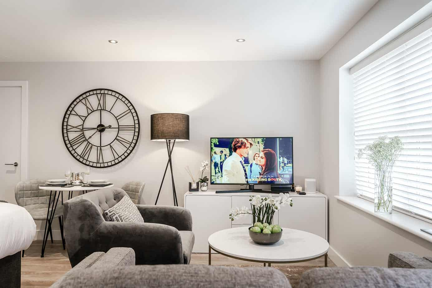 Tailored Stays Victoria Road modern serviced apartment studios with high-end attention to detail. Located 5 minutes from Cambridge town centre