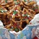 Christmas Pretzel Candy Sandwiches – Two Ways!