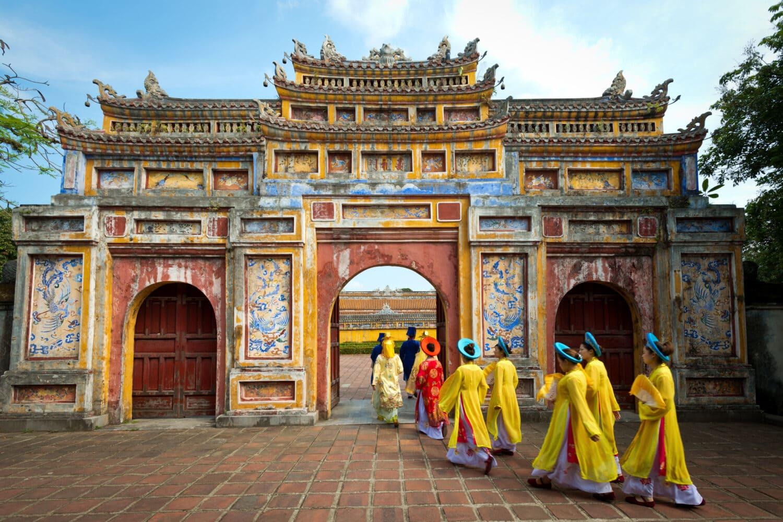 vietnam tour holidays
