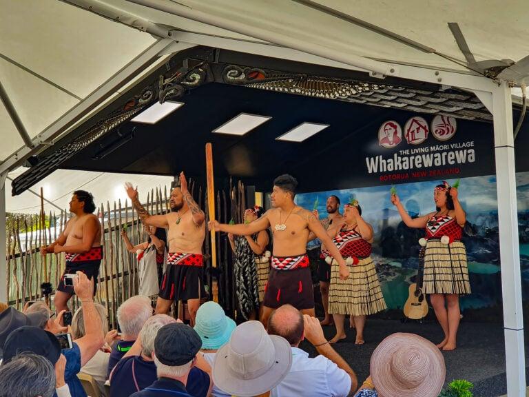 Cultural-Performance-Whakarewarewa Māori Culture