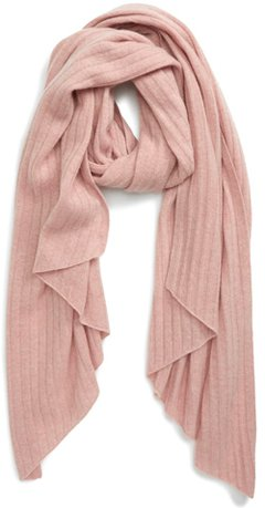 Gift ideas for women - a cashmere scarf | 40plusstyle.com