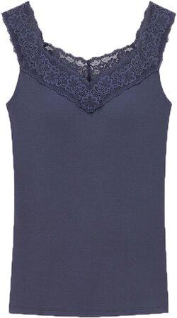 Uniqlo HEATTECH lace bra top | 40plusstyle.com