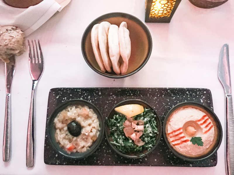 カタール航空のアラビア的前菜の画像