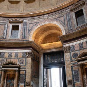 vchod do pantheonu