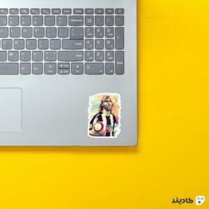 استیکر لپ تاپ ندود روی لپتاپ