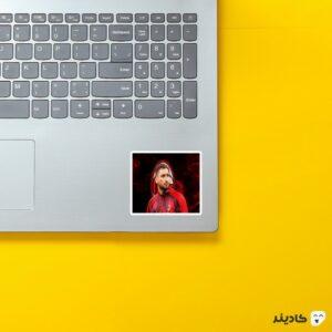 استیکر لپ تاپ جیانلوییجی داناروما روی لپتاپ