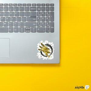 استیکر لپ تاپ جنرال - لوگوی زرد بازی روی لپتاپ