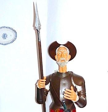 ドンキホーテの人形画像