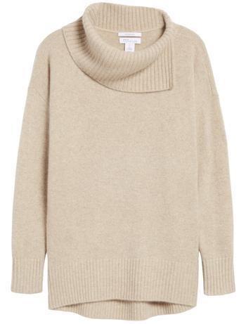 Minimal capsule wardrobe for winter - Nordstrom Signture cashmere pullover | 40plusstyle.com