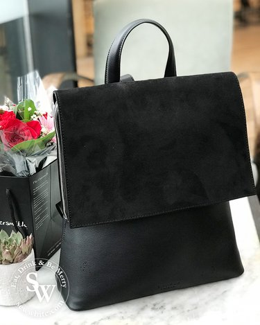 Lawful London black dahlia handbag chosen to be in the Top 5 Best Gifts for Women 2019 - Christmas Gift Guide