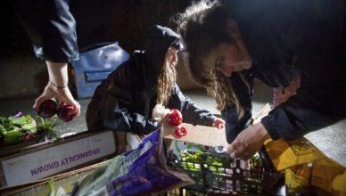 España crisis jóvenes pobreza basura