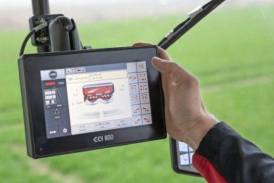 """Het goedkopere 8"""" bedieningsscherm is bedoeld voor gebruikers die één Isobus-toepassing tegelijk gebruiken."""