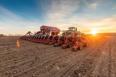 Farmers around the world will have new ways to connect their Horsch seeders, planters and other implements to the Climate FieldView platform. - Photo: Bayer