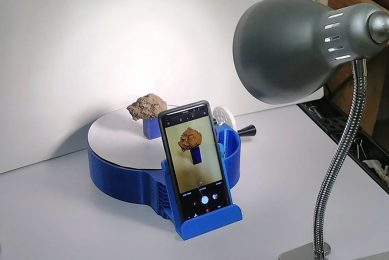 Measuring soil density with a smartphone camera