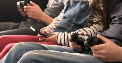 family screen time and digital devices