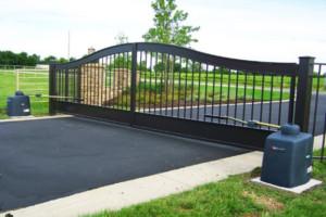 Residential entryway gate