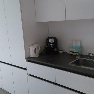 Studio: bureau + keukentje