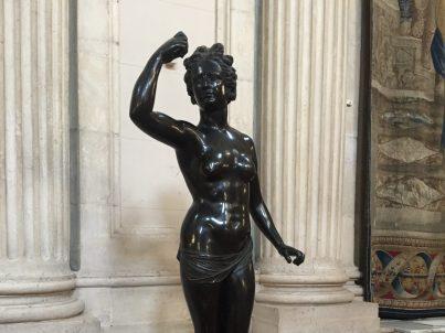 Statue Girl Power