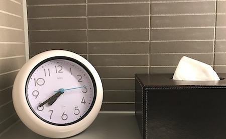 シャワー室の時計画像