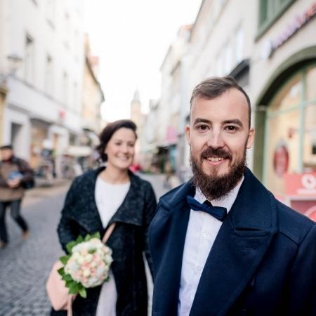 Hochzeitsbilder in der Fußgängerzone