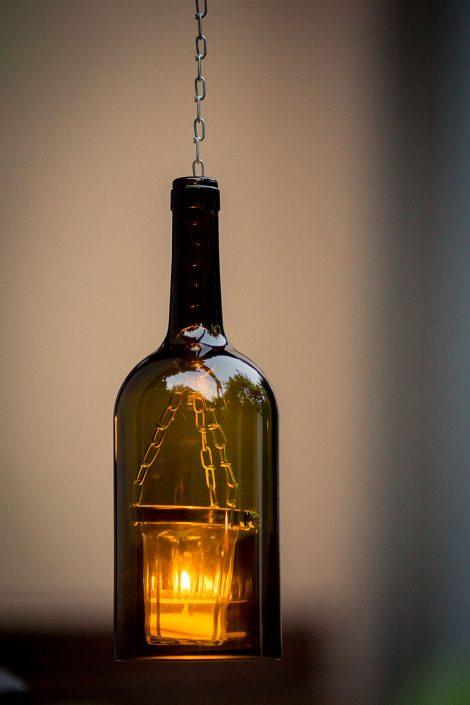rustikale Teelicht Lampe aus einer Weinflasche