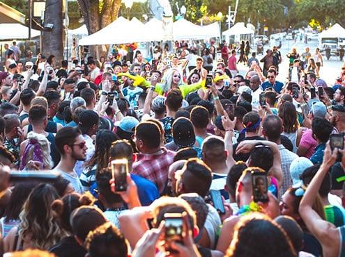 Festival arc-en-ciel de Sacramento et foire de rue
